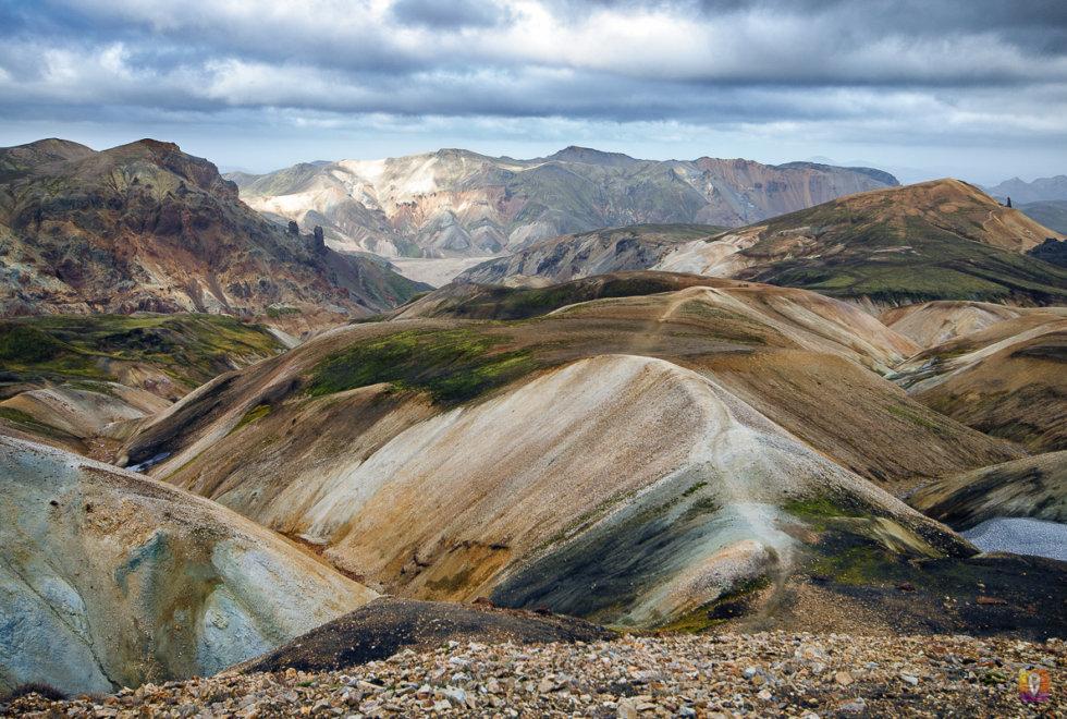 Islandia trek Laugavegur okolice góry Brennisteinsalda widok w stronę Landmannalaugar
