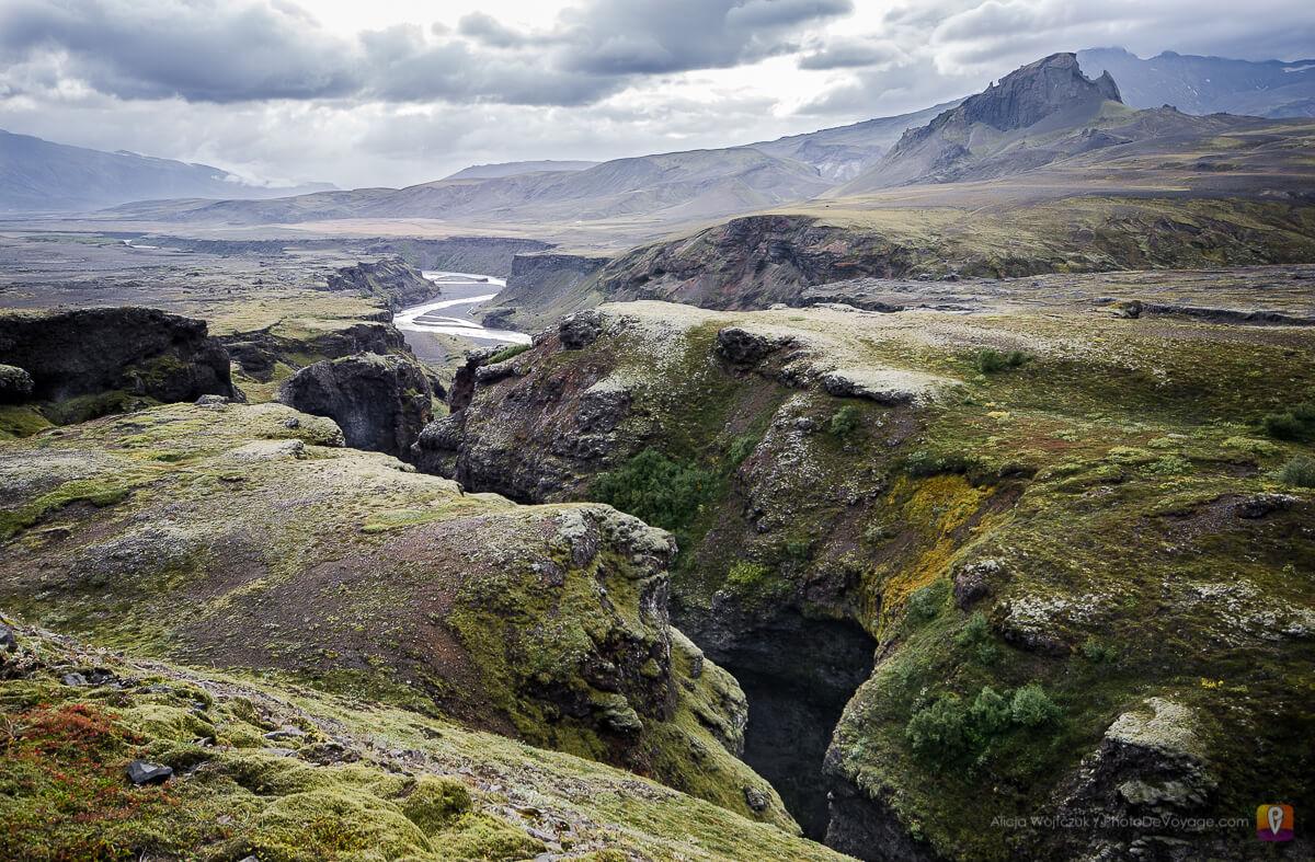 Trek Laugavegur zejście między Emstrur i Þórsmörk wzdłuż rzeki Þrönga