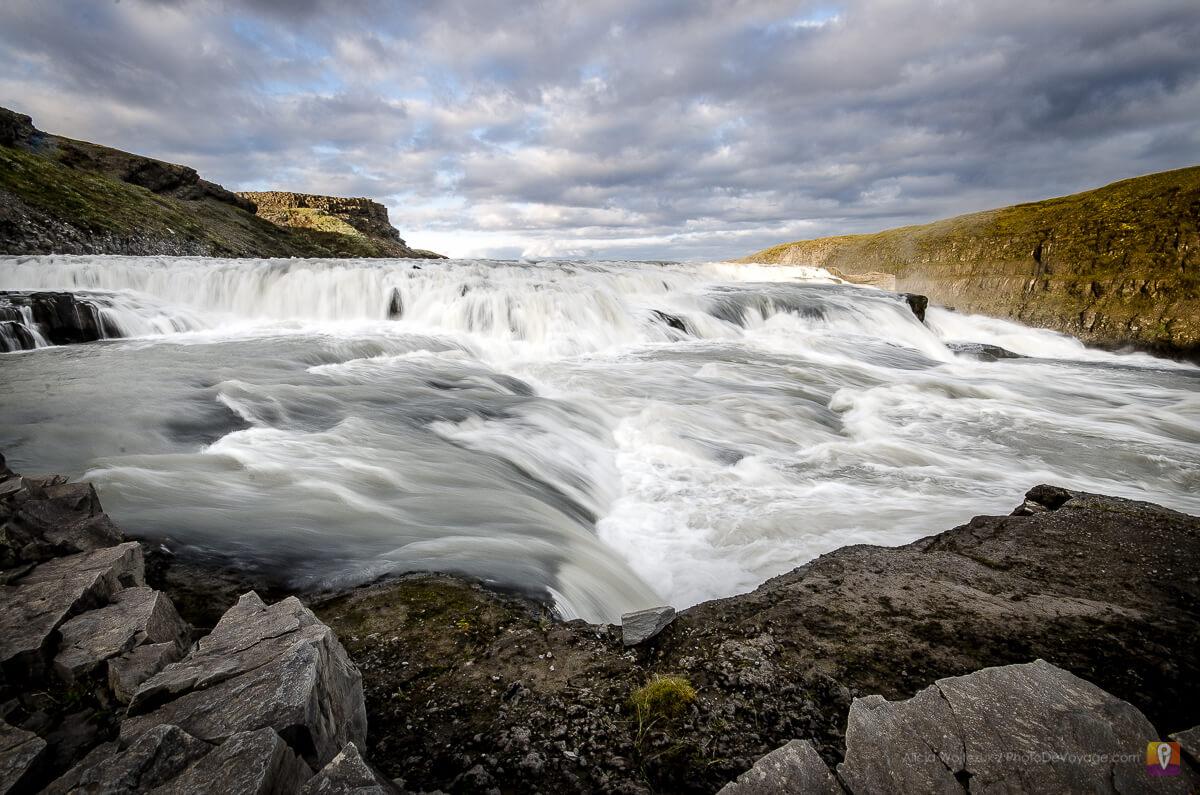 Gullfoss wielopoziomowy wodospad golden circle