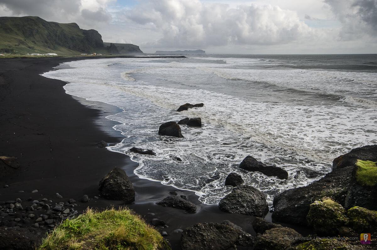 Czarna wulkaniczna plaża przy Vik