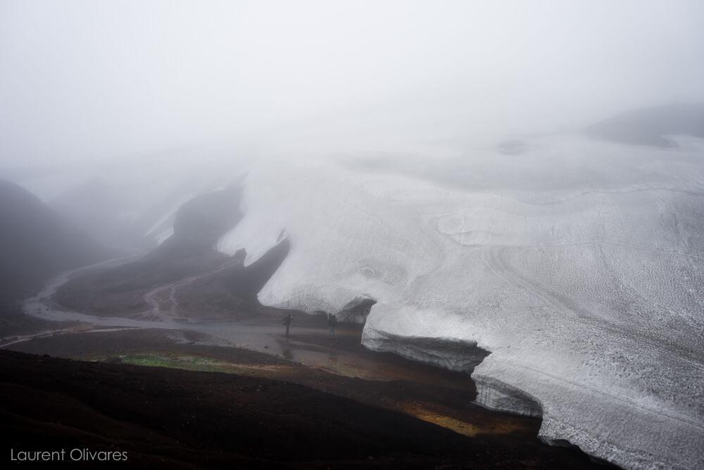Neige et brouillard en Islande