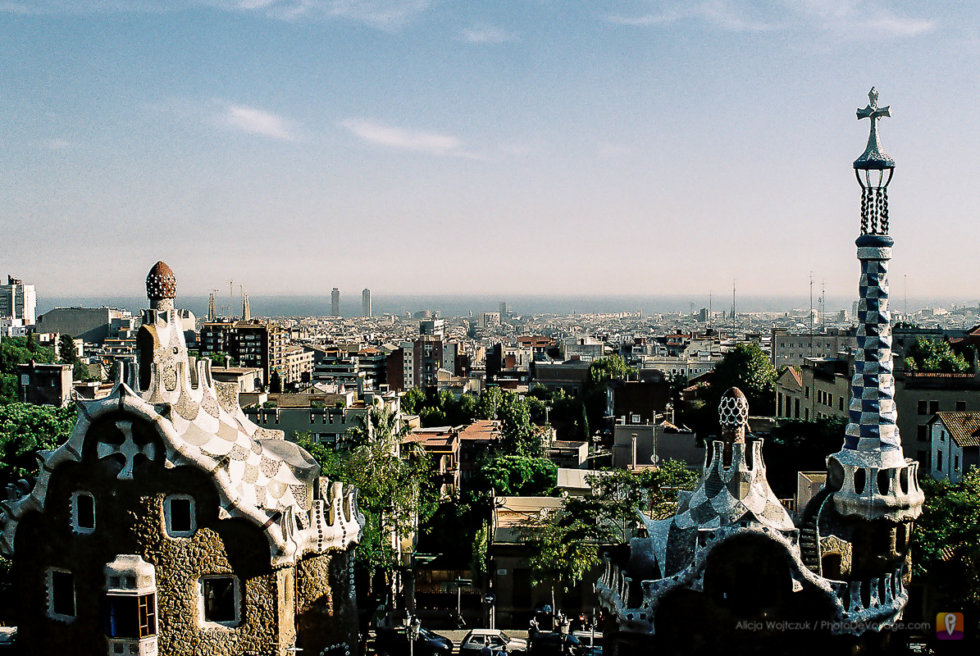 Barcelona widok z tarasu w Parku Guell