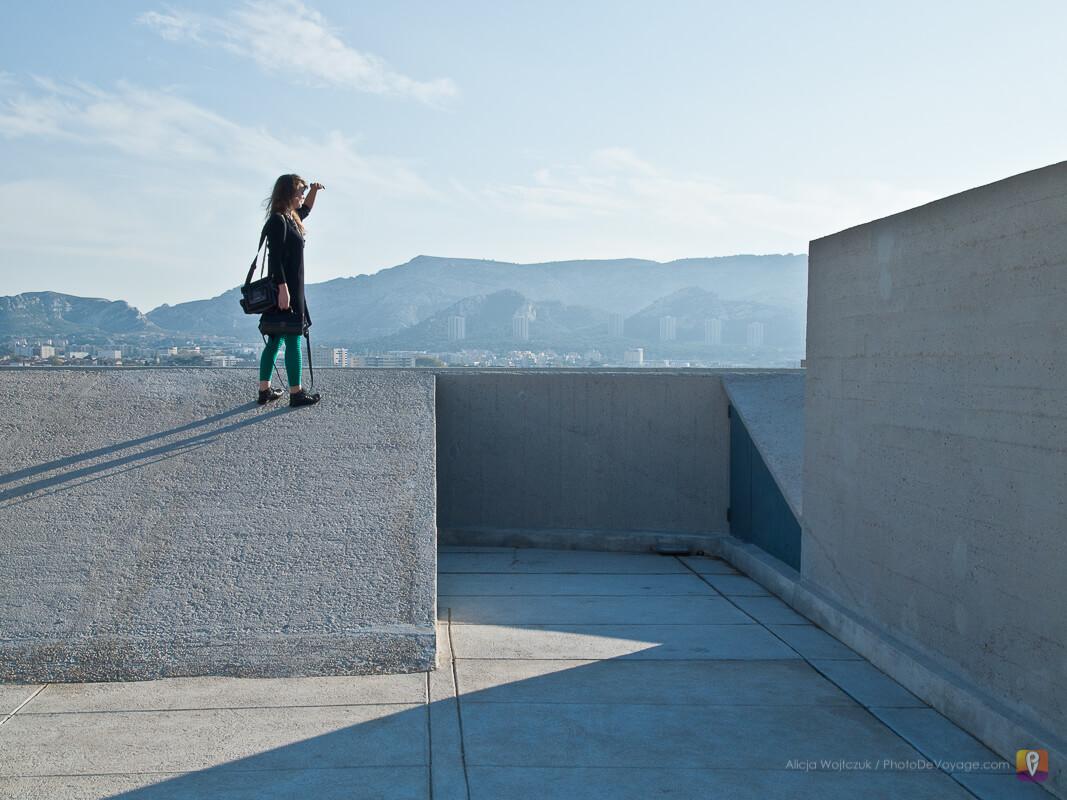 Widok na Marsylię z dachu budynku Le Corbusier