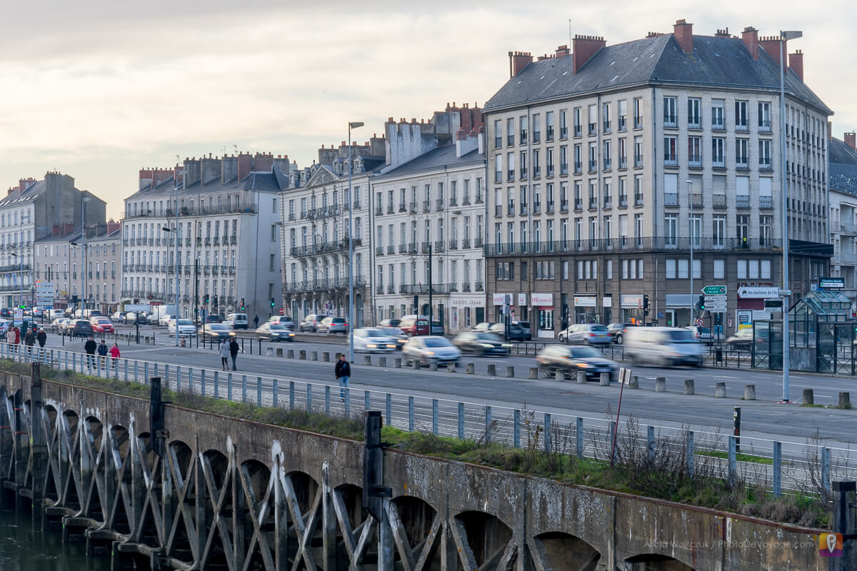 Krzywe kamienice w Nantes