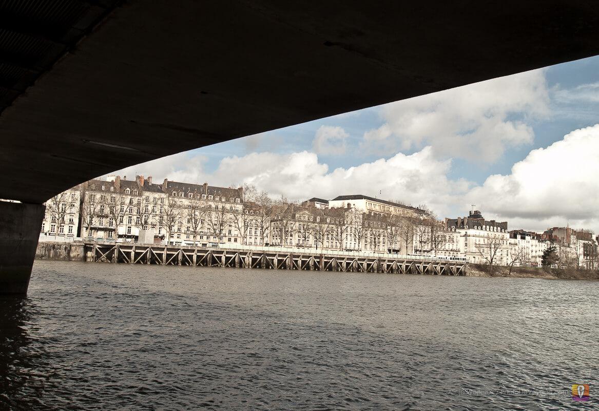 Kamiennice wzdłuż brzegu Loary w Nantes