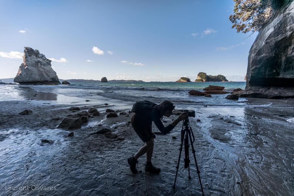 Une photographe à Cathedral Cove