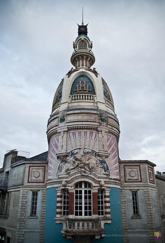 Wieża LU w Nantes