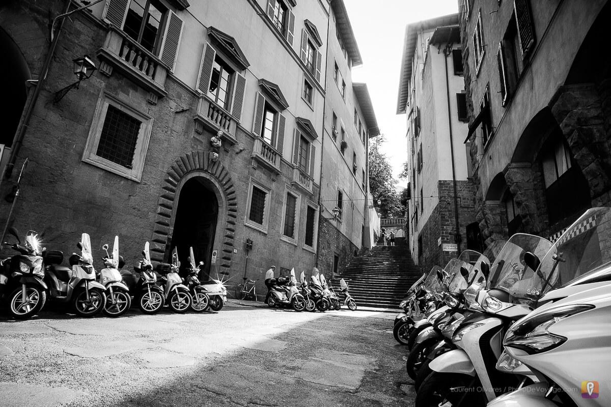 Des scooters, par milliers dans les rues de Florence