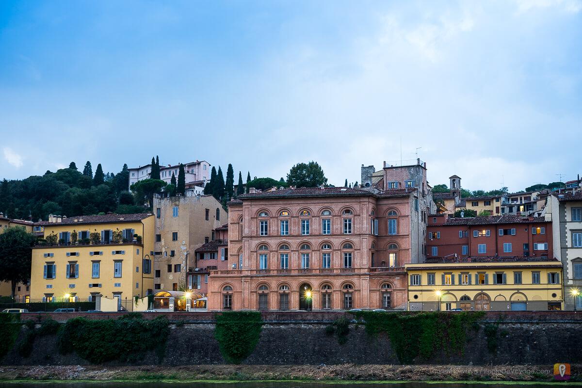 Un quartier de Florence de nuit