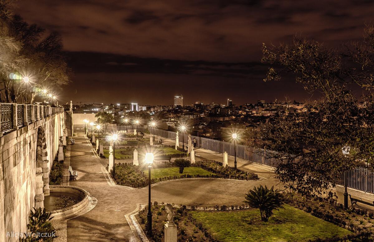 Widok na Lisbonę nocą